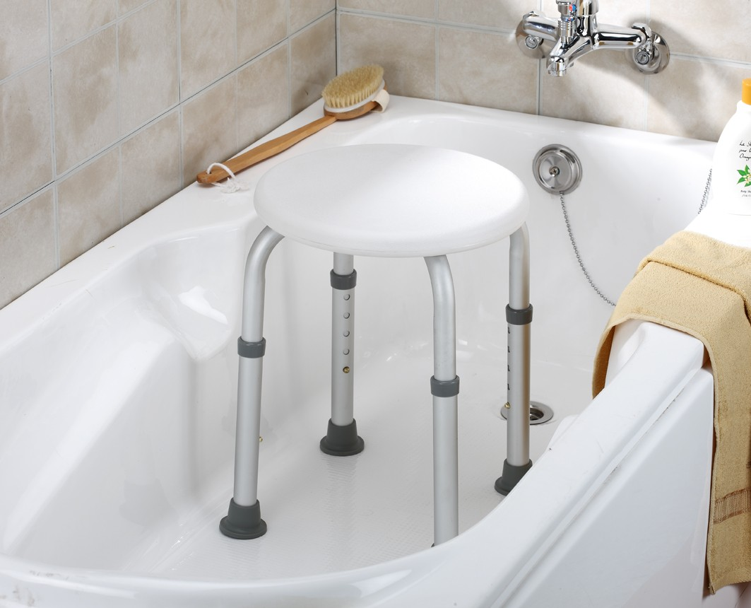 Essential Round Bath Stool #B3100